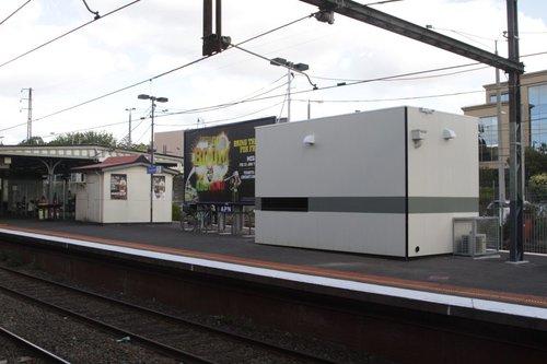 PSO pod on the island platform at Camberwell