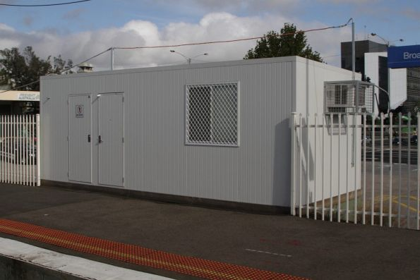 Temporary PSO pod on platform 2 at Broadmeadows