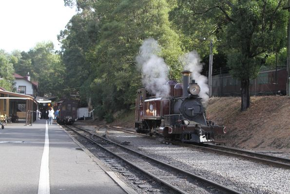 12A runs around the train at Belgrave