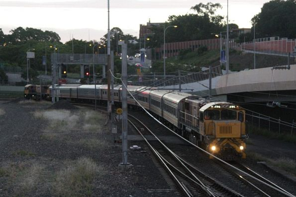 Having dropped off the passengers at Roma Street, QR 2152 has been attached to the north end to lead the consist to the Normanby train wash