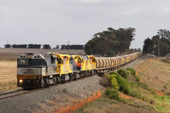 QR National grain wagon transfer, 2011