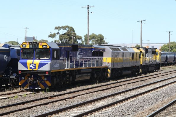 GML10, RL309 and CM3307 run around their stabled grain train at Somerton