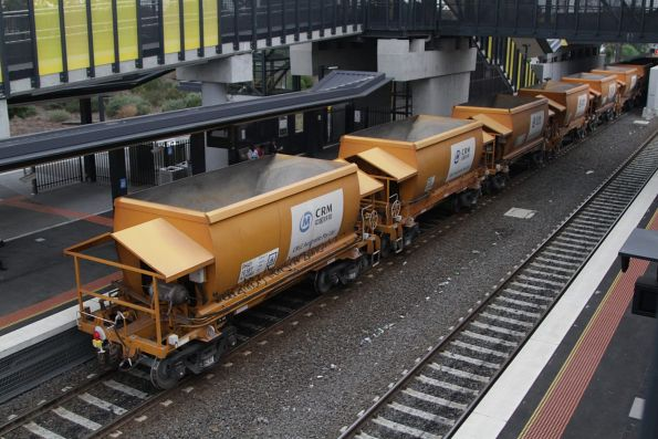 PHAY wagon 'two pack' hopper wagons as used by Qube on the Apex train