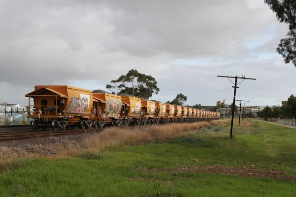 Qube Logistics Apex quarry train