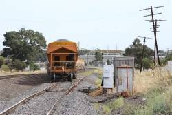 G515 leads the up Apex train through Albion Loop