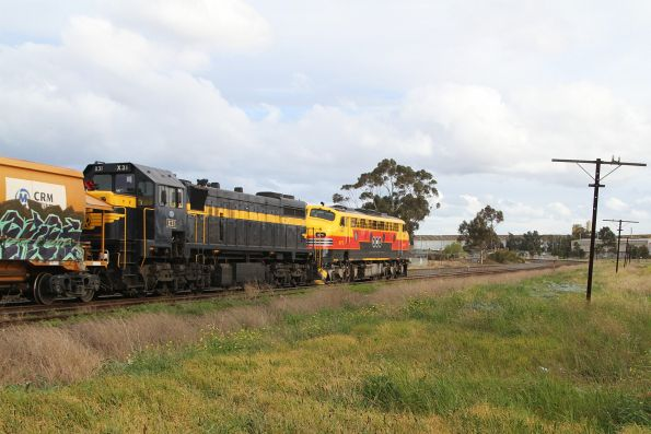 B75 leads X31 on the up at Albion Loop
