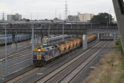G512 waiting on the goods lines at North Melbourne for a path east to Westall