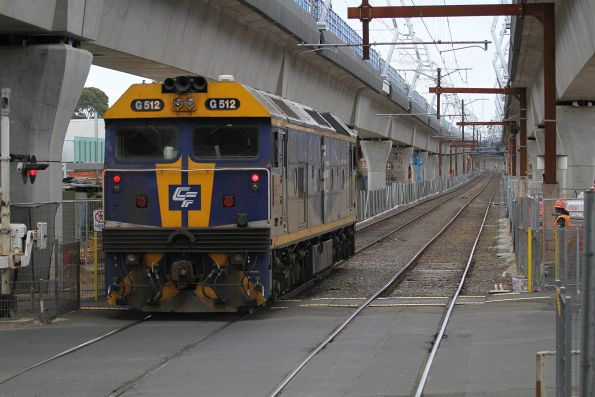 G512 departs Carnegie station on an up light engine move