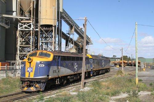 B76 trails G515 headed light engine along the Apex siding at Brooklyn