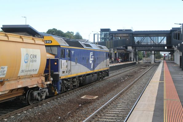 G512 leads the down Apex train through Sunshine bound for Kilmore East