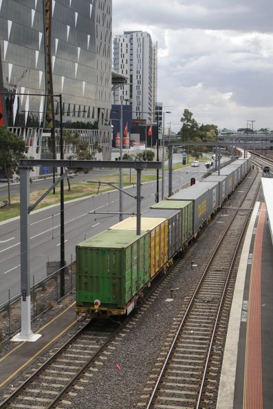 Tail end up the up Maryvale freight at Southern Cross Station