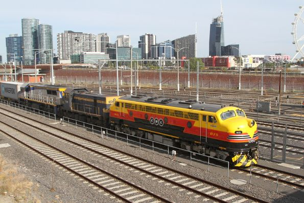 B75 leads T395 and VL356 on the up Maryvale freight at North Melbourne