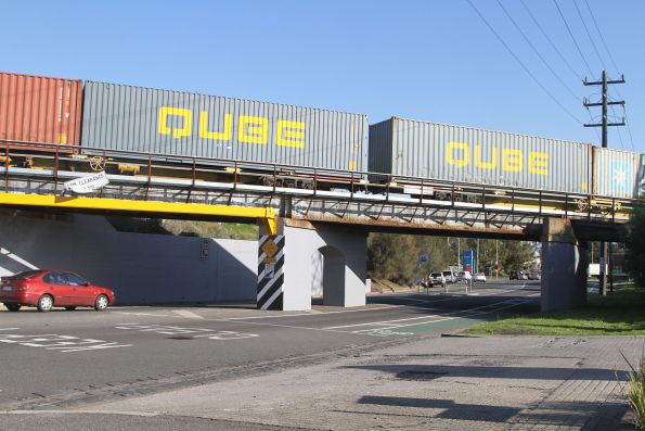 40 foot Qube containers on the up Maryvale freight