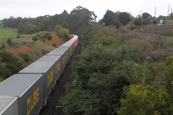G532 and VL356 on the up out of Warragul