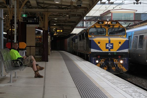 VL360 leads VL356 through Flinders Street platform 7 with the up Maryvale freight