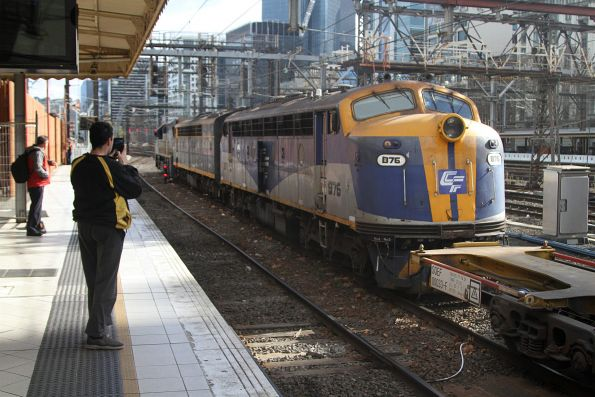 VL360, S303 and B76 lead the up Maryvale paper train through Flinders Street Station