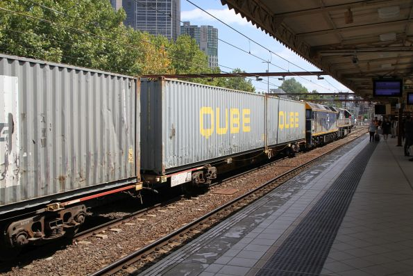 VL356 and G515 lead the up Maryvale freight through Flinders Street Station