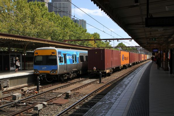 Tail end of the up Maryvale freight at Flinders Street Station