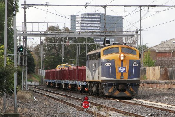 B76 and B80 with a push-pull spoil train waiting on the Flemington Racecourse line at Newmarket