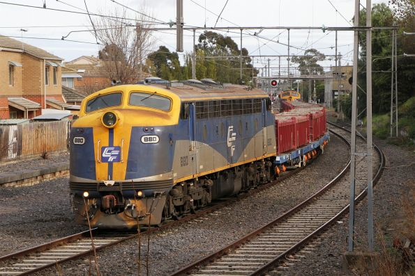 B80 and B76 with a push-pull spoil train waiting on the Flemington Racecourse line at Newmarket