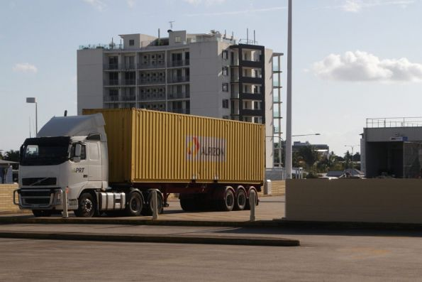 Aurizon container being delivered to Cairns Central shopping centre