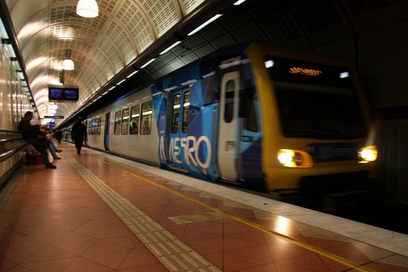 Metro liveried X'Trapolis arrives into Flagstaff, the cab door is plain instead of the standard blue colour