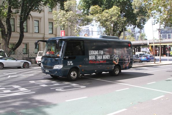 NAB staff bus on William Street, operated by BS00HA