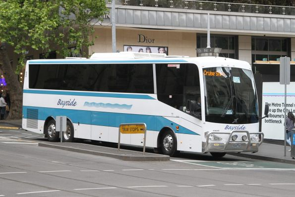 Bayside Coaches 5440AO on a cruise ship shuttle at Collins and Swanston Street