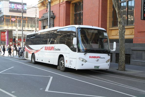 Sunbury Coaches BBS03VG at Bourke and Spencer Street