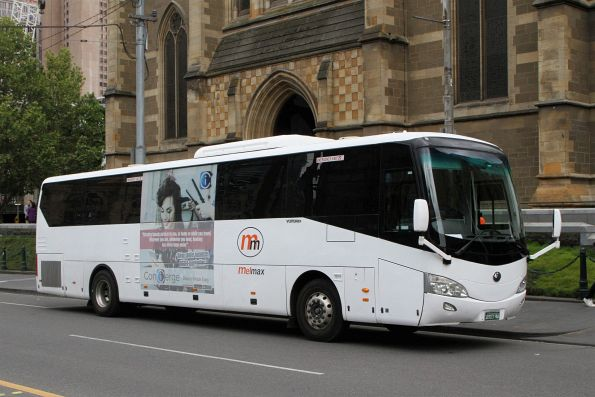 MelMax coach BS03AA at Flinders and Swanston Street