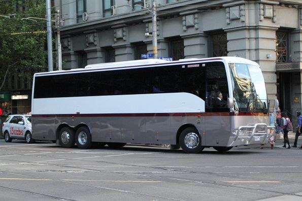 Executive Coach Travel 9959AO at Collins and Spencer Street
