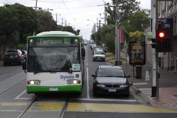 Dysons bus 4298AO heads west on Maribyrnong Road with a route 82 replacement service