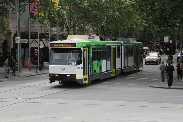 B2.2088 on transfer to South Melbourne at Swanston and Flinders Street
