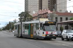 B2.2115 heads through the crossover at Park and Clarendon Street due to the royal tram ride down at South Melbourne