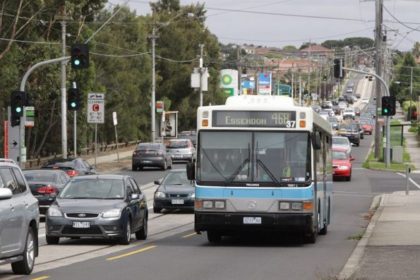 Ryans #37 2237AO with a route 468 service on Maribyrnong Road
