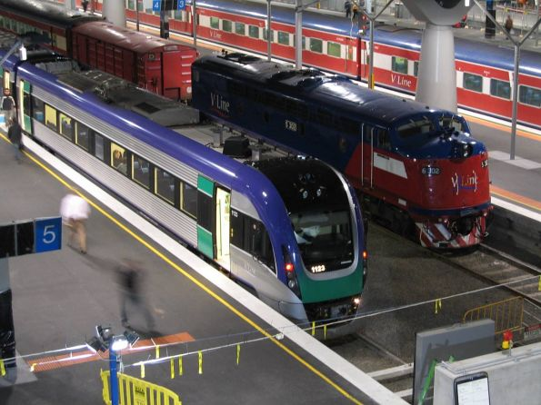 VLocity 23 and S302 at Southern Cross on the last day of service with V/Line