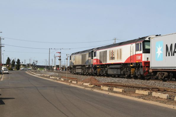 BK002 and CSR007 on the up Dooen freight at North Geelong C