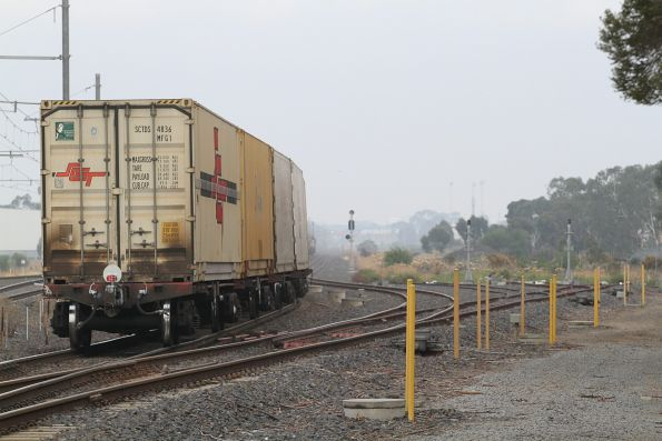 Tail end of BM9 arrives at Laverton Loop