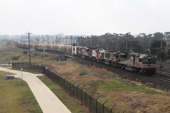 SCT001, CSR008, T414 and SCT009 push BM9 into the SCT depot at Altona