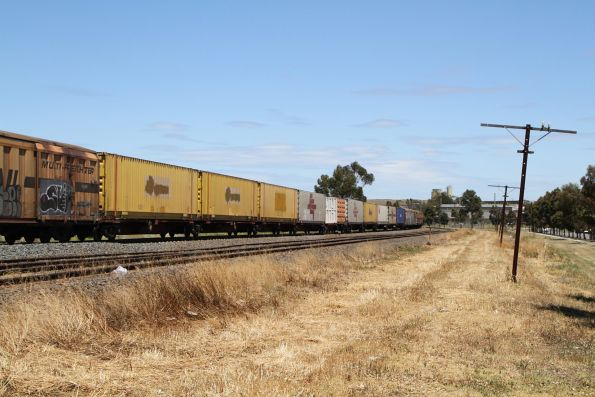 Ex-Aurizon containers in the consist of BM9