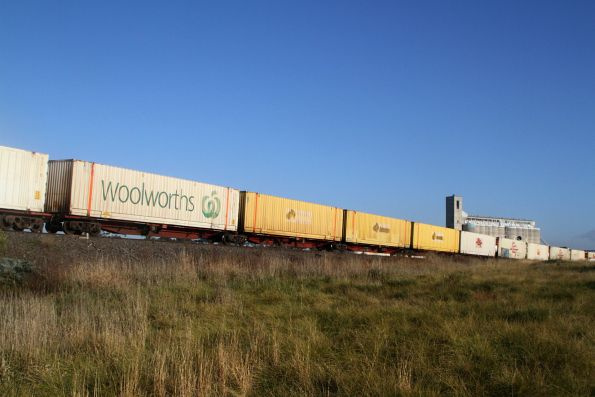 Mix of SCF, SCT, ex-Aurizon and Woolworths containers in the consist of BM9