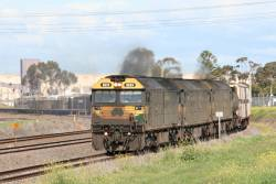 G523 leads G539 and G520 Melbourne bound at North Shore