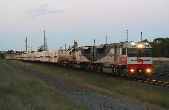 SCT004 leads the SCT train westbound at North Shore. I had just pulled 4 car tyres off the tracks 10 minutes before...