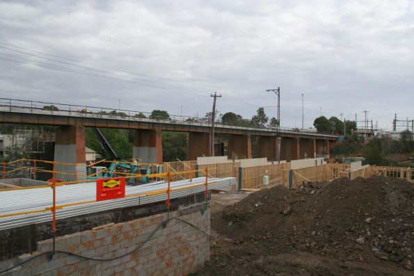 New housing beside the Merri Creek bridge