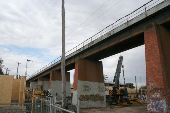Looking north along the current Merri Creek bridge