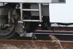 Water hoses for brake testing on the leading bogie of Siemens 726M