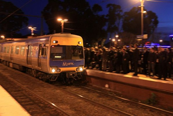 Comeng arrives into a packed Newmarket station