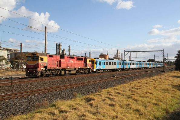 N470 leads the transfer move through Altona Junction towards Newport at 5 km/h