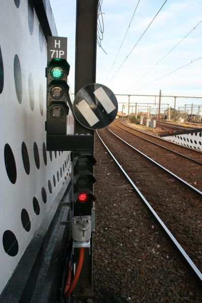 LED co-acting signal at Richmond platform 9