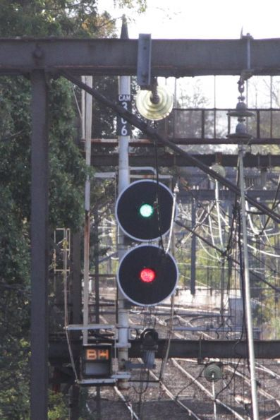 'BH' route indicator on signal CAM306 at Camberwell for a Box Hill bound train